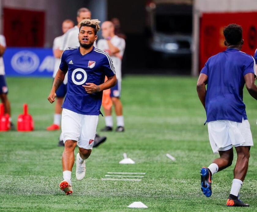 El jugador venezolano Josef Martinez (i), del MLS All-Stars, participa en una sesión de entrenamiento de equipo. EFE/Archivo