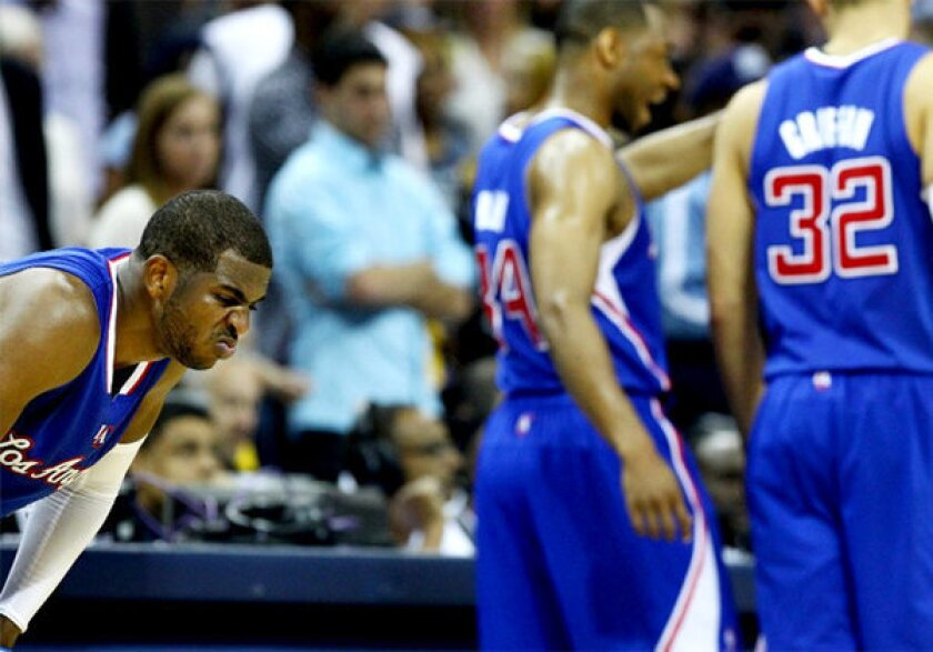 Clippers' Chris Paul had 28 points and eight assists when he was ejected.