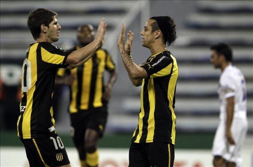 Con su victoria, Peñarol se clasificó para la Copa Sudamericana y también para la Copa Libertadores de América de 2014. EFE/Archivo