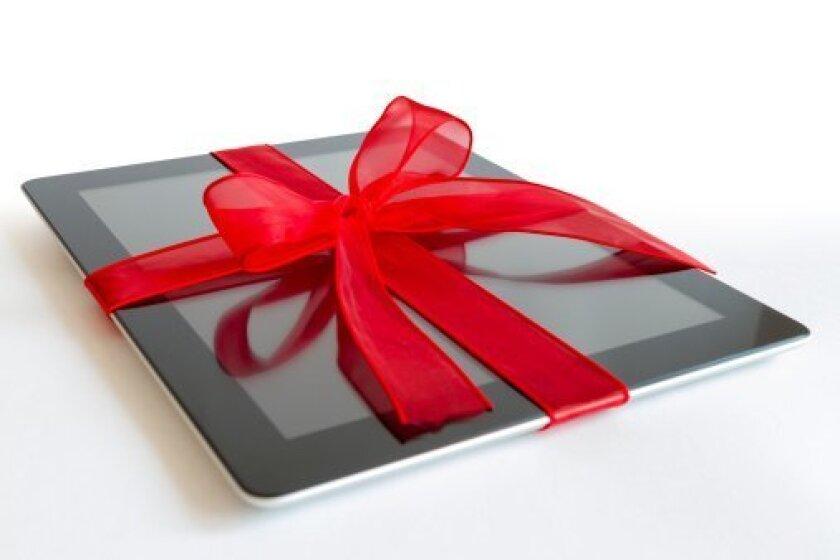 iPad Apple store in La Jolla discusses the latest iPad Air.