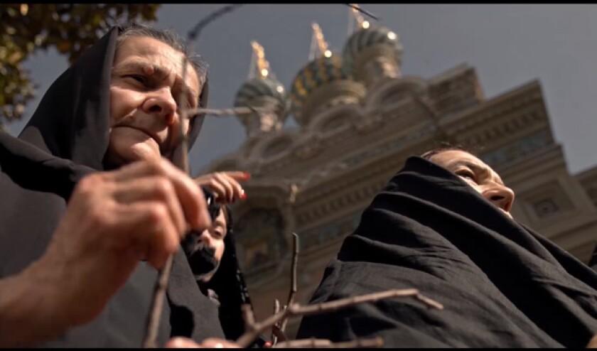 """Una scena da San Diego Rib """"Nicholas, Anna e Sergey"""" Girato fuori da una chiesa ortodossa russa a Firenze, Italia."""