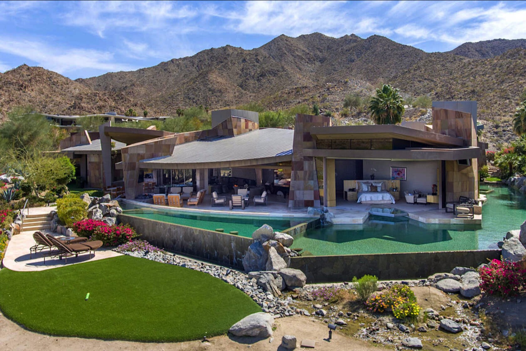 Jerry Weintraub's modern estate in Palm Desert sells for ... on portola valley houses, pleasant hill houses, arroyo grande houses, mendocino houses, buena park houses, barstow houses, hughson houses, ladera ranch houses, twentynine palms houses, wildomar houses, coachella valley houses, lost hills houses, trona houses, fountain valley houses, canoga park houses, prather houses, sanger houses, salinas houses, los osos houses, sonoma county houses,