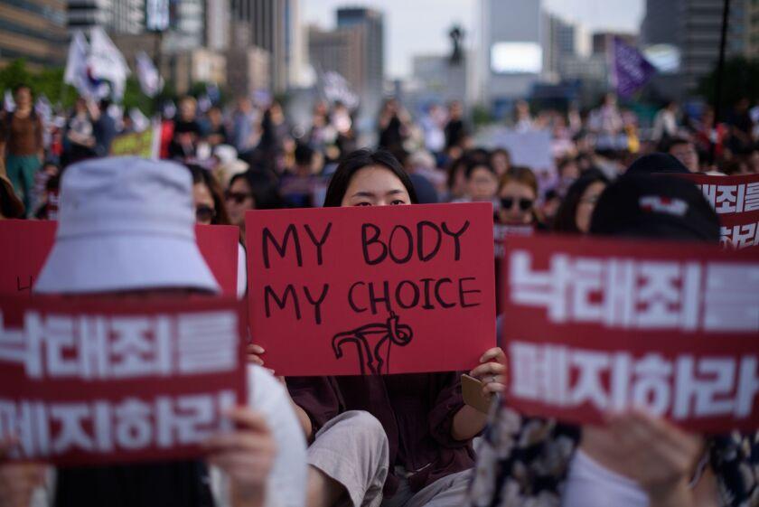 FILES-SKOREA-WOMEN-RIGHTS-ABORTION