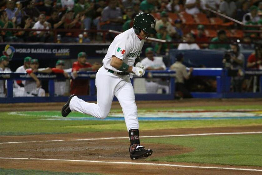Los Sultanes de Monterrey armaron un ramillete de siete carreras en la octava entrada para vencer este sábado por 9-2 a los Leones de Yucatán y acercarse 1-2 en la final de la Liga Mexicana de Béisbol. José Aguilar, de los Leones de Yucatán. EFE/ARCHIVO