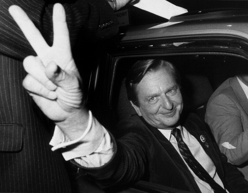 FILE - In this Sept. 19, 1982 file photo former Swedish Prime Minister Olof Palme makes the victory sign after the Social Democrats election victory. Swedish prosecutors will announce Wednesday June 10, 2020 a decision in the investigation into the long unsolved murder of former Swedish Prime Minister Olof Palme, who was shot dead in downtown Stockholm in 1986. (Bertil Ericson/TT via AP)