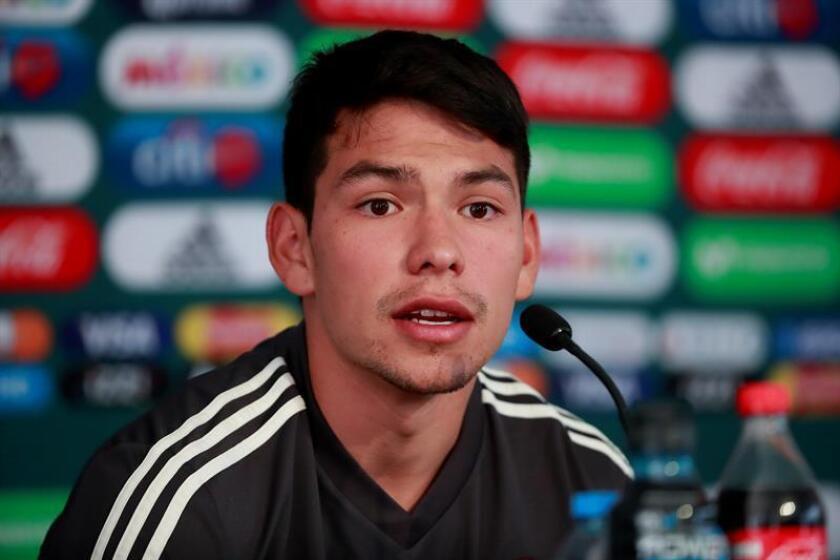 El delantero Hirving Lozano, del PSV Eindhoven de la liga holandesa, es baja de la selección mexicana que se enfrentará con Argentina en dos partidos amistosos el 16 y el 20 de este mes. EFE/Archivo