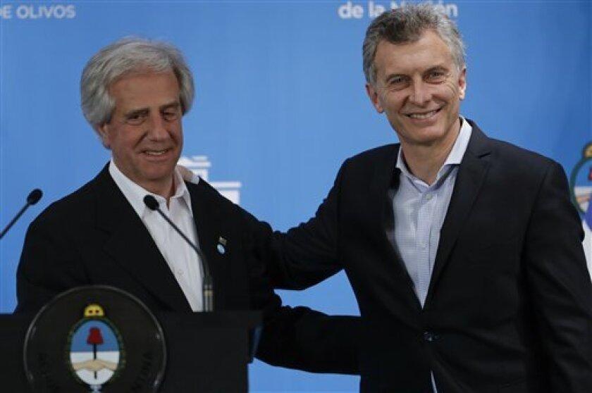 El presidente argentino, Mauricio Macri, felicitó hoy al vencedor de las elecciones presidenciales estadounidenses, el republicano Donald Trump, y expresó su deseo de que puedan trabajar juntos.