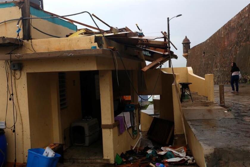 Vista de los daños causados tras el paso del huracán María en el barrio de La Perla de San Juan (Puerto Rico). EFE/Archivo