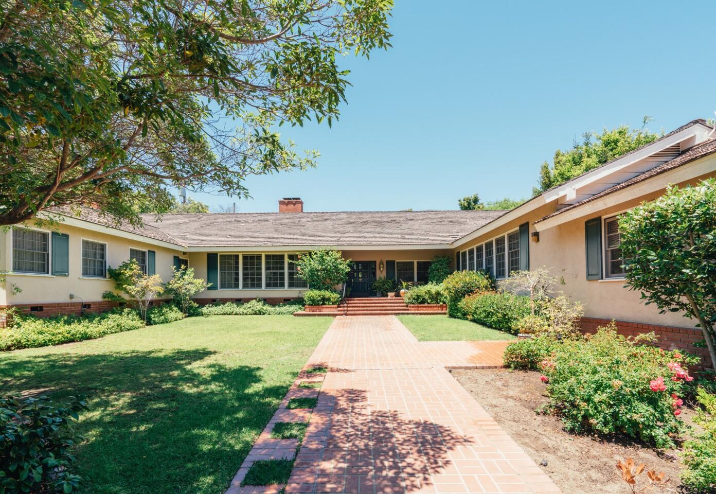 Jimmy Stewart's onetime Brentwood estate   Hot Property