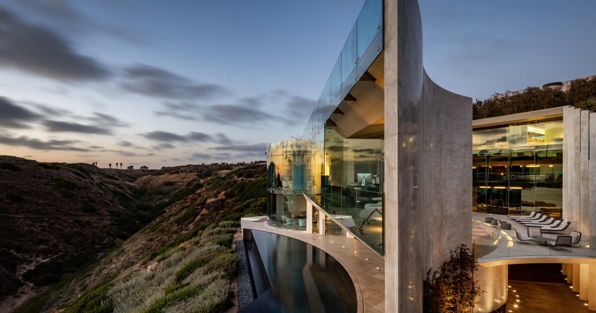 Razor house - image link to source article
