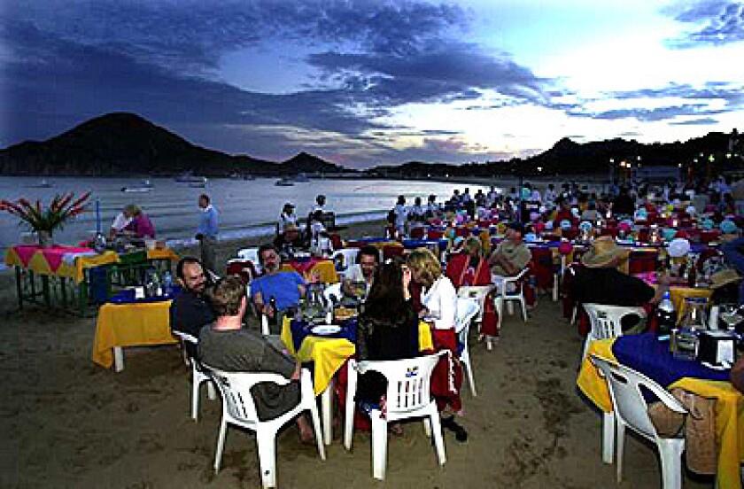 No shortage of lodgings in Los Cabos - Los Angeles Times
