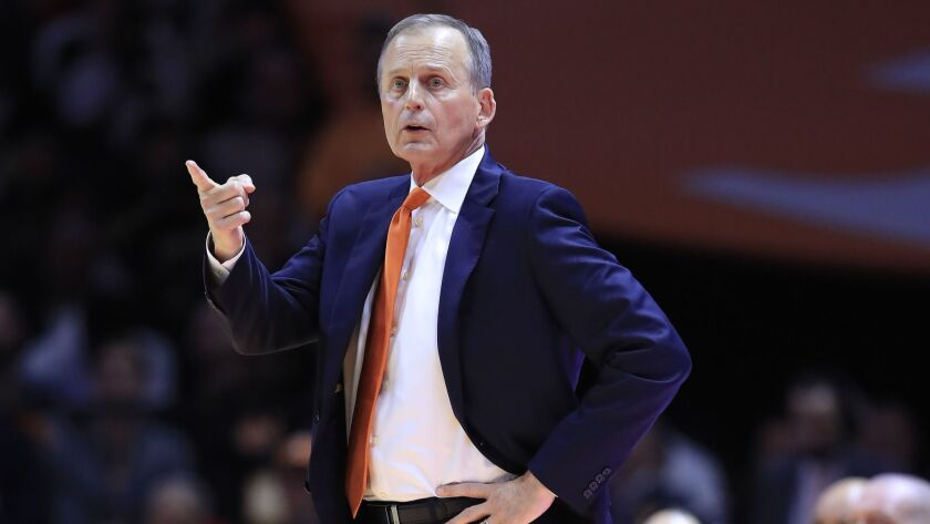 Tennessee avenges loss, routs Kentucky