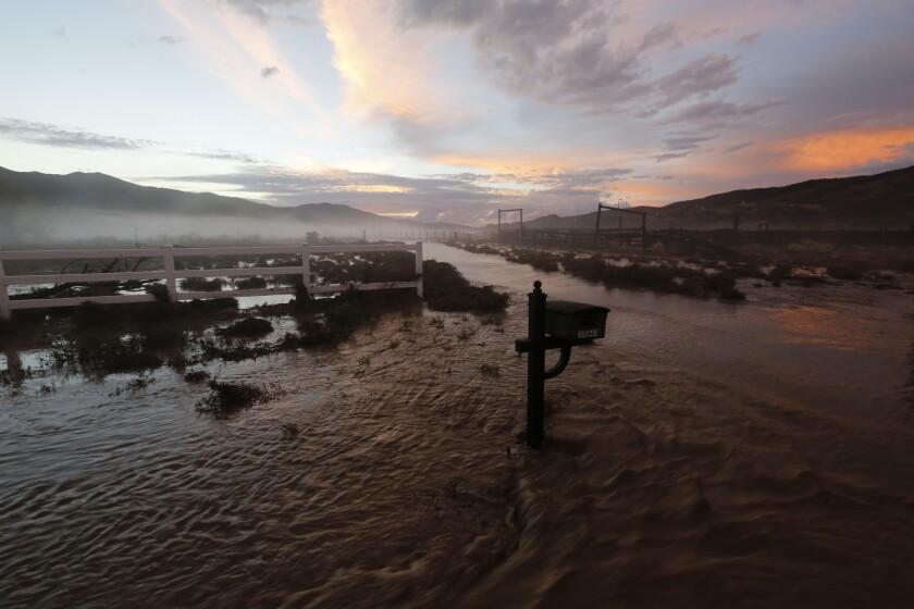 California flash floods cause chaos as 5ft-deep mud ...  |Antelope Valley Flash Flood
