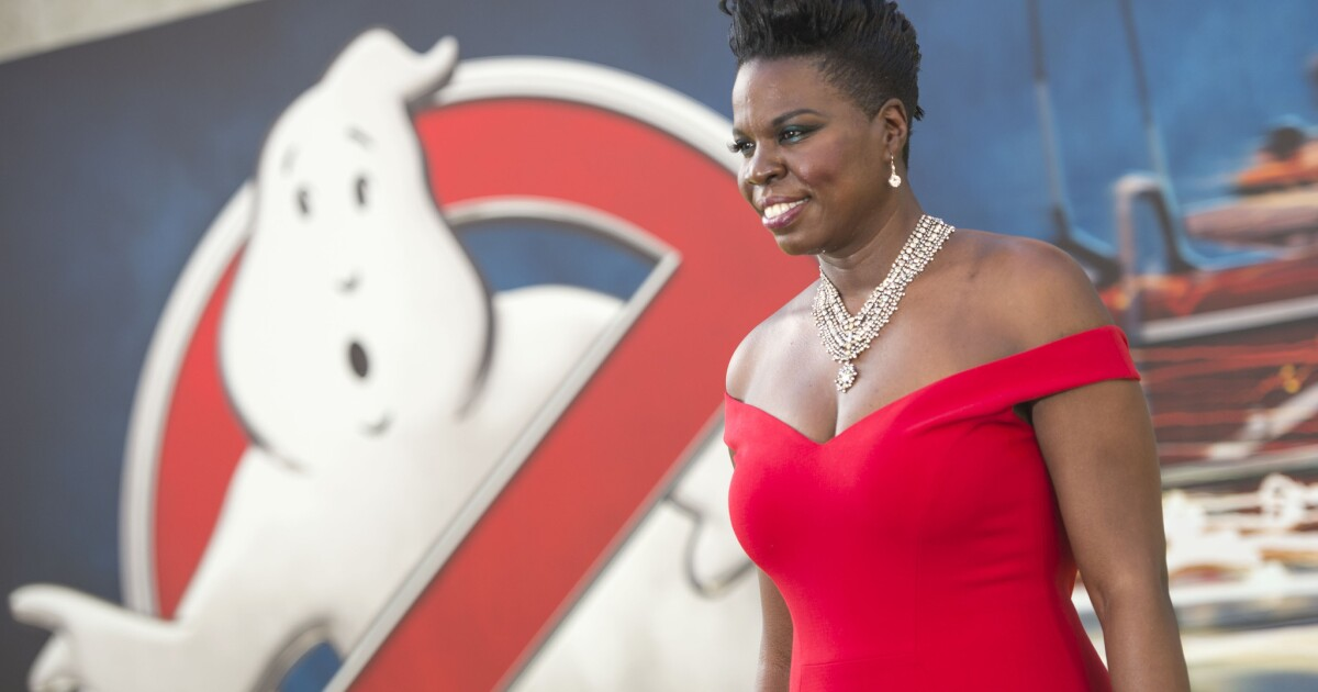Leslie Jones Says She S In Personal Hell After Barrage Of Racist Abusive Tweets Los Angeles Times