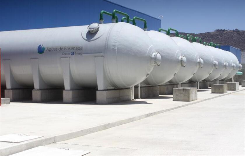 Fotografía del 7 de junio de junio de 2018, de una de las secciones al exterior de la planta desalinizadora de Ensenada, en Baja California (México). EFE