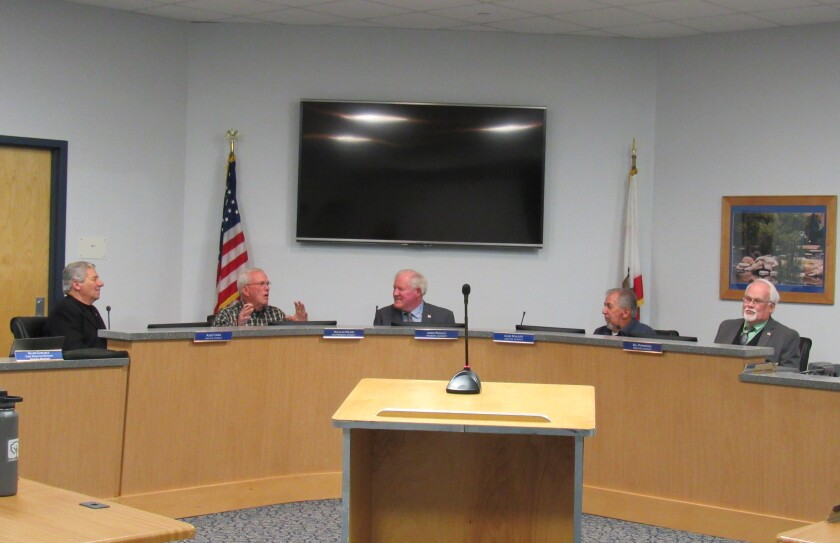 The five-member governing board of the Padre Dam Municipal Water District voted itself a 3.5 percent pay raise.