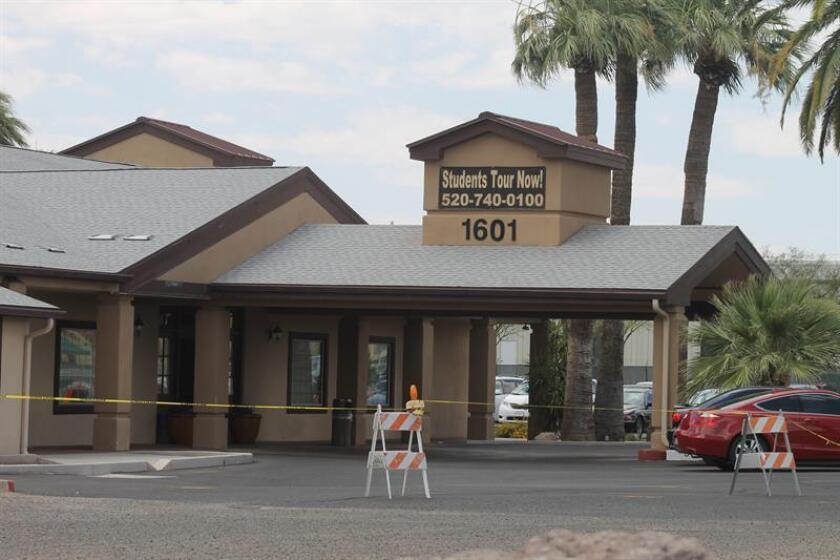 Vista de un edificio en Tucson, Arizona, donde la organización Southwest Key operará un albergue para alojar a los menores centroamericanos que continúan llegando al país. EFE/Archivo