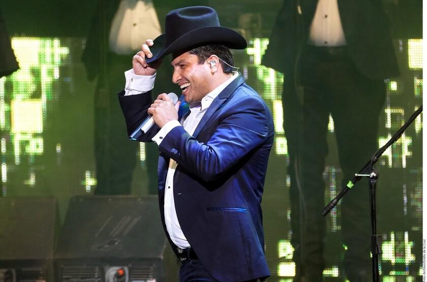 El canto de Julión Alvarez volverá a escucharse en vivo ante su público regio que podrá disfrutar de sus temas en la Arena Monterrey el 13 de enero.