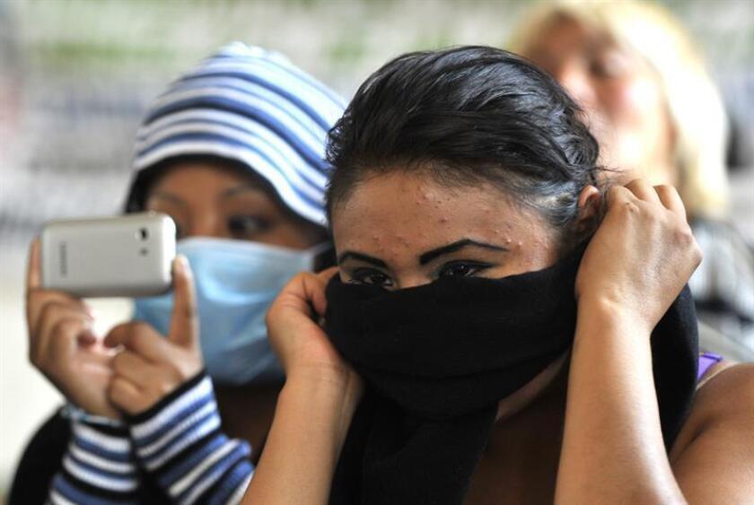 """México se encuentra entre los 25 países con más víctimas de trata de personas identificadas, por lo que se deben atender de forma urgente """"las contemporáneas formas de esclavitud"""", advirtió hoy la Comisión Nacional de los Derechos Humanos (CNDH). EFE/ARCHIVO"""