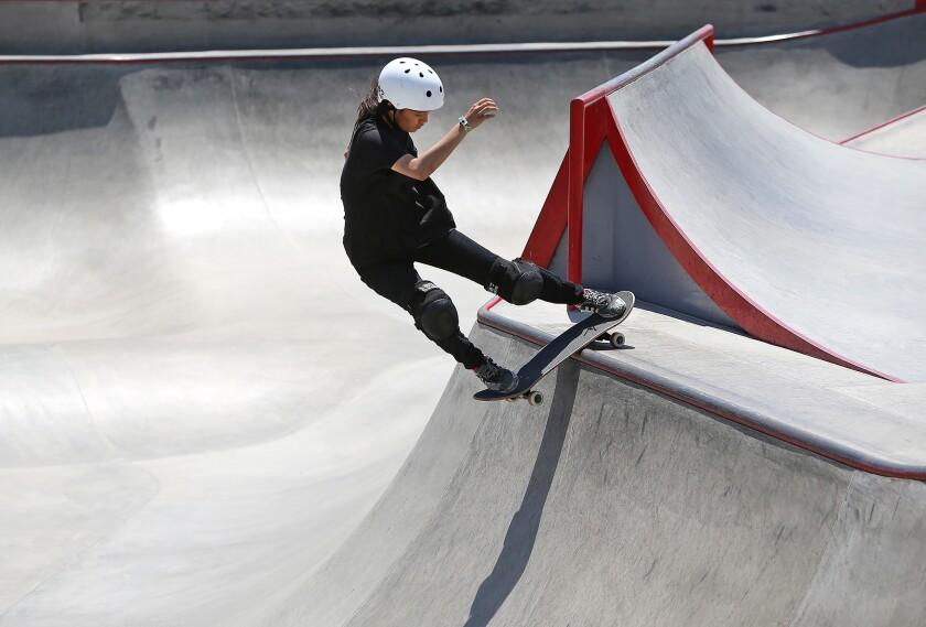 tn-dpt-me-vans-womens-skateboarding-4.JPG