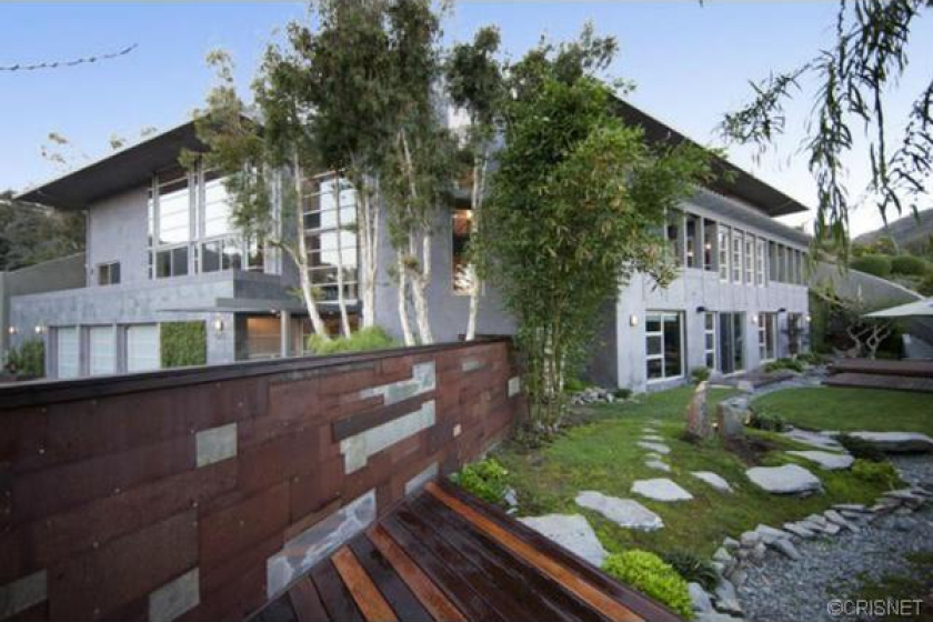 Joe Hahn lists Brenwood house for sale