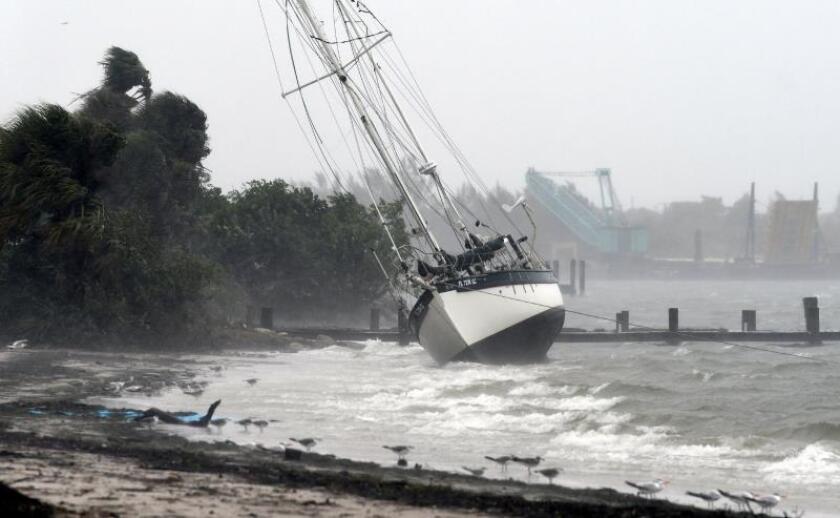 Alertan de una previsible depresión tropical que afectará Bahamas y Florida