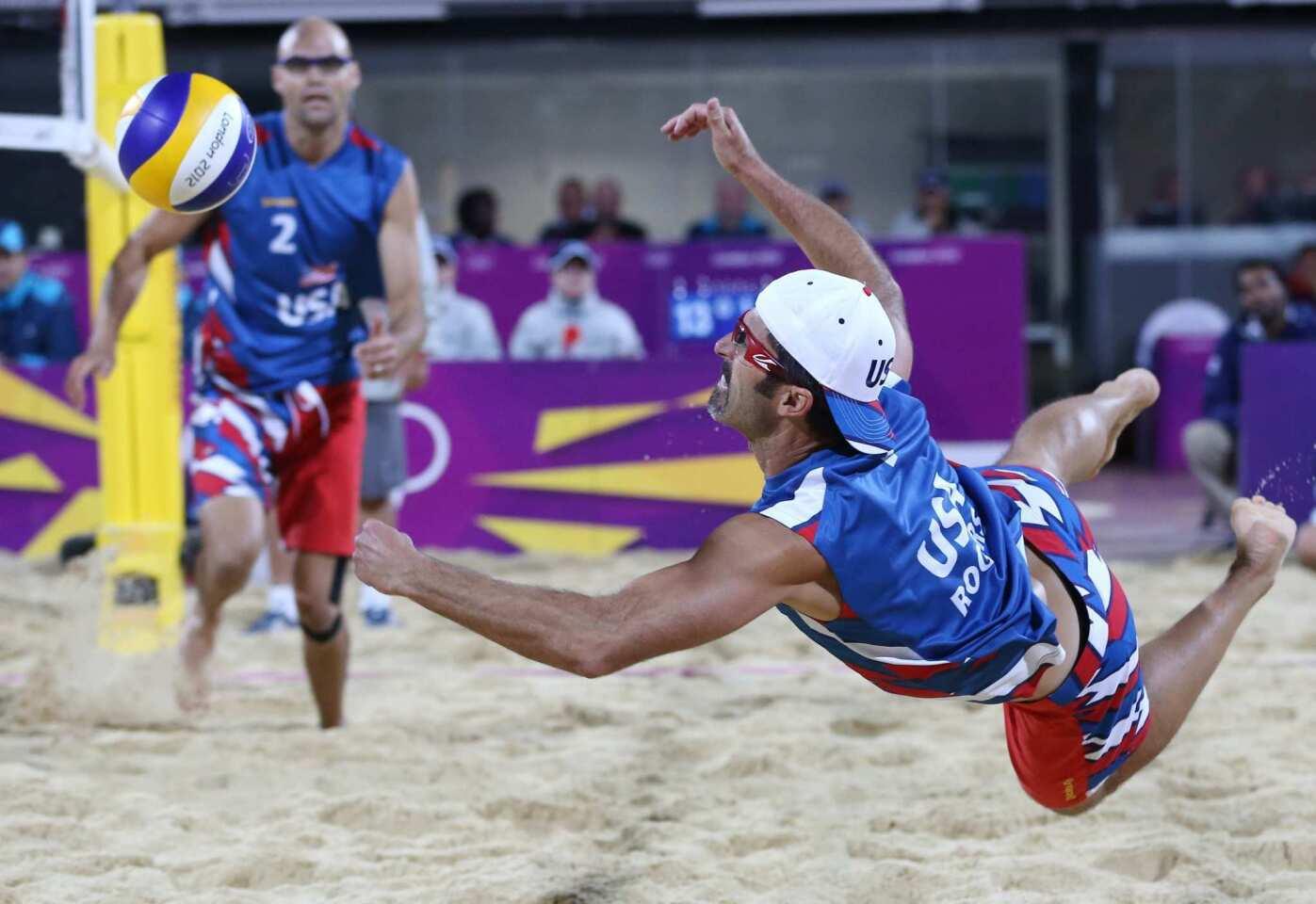 Beach volleyball duo