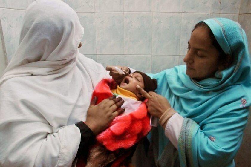 Gunmen kill 5 anti-polio workers in Pakistan