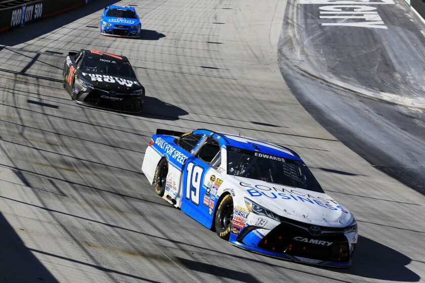 Carl Edwards wins first Sprint Cup race of the season at Bristol Speedway