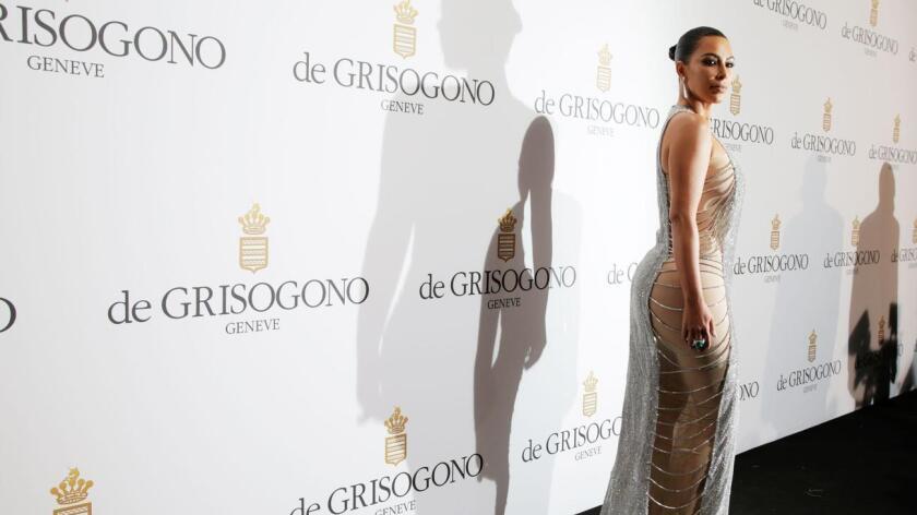Kim Kardashian invitó a sus seguidores a descargar los kimojis conmemorativos del Día de la Independencia en Estados Unidos.