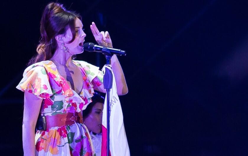 Cancela Lana del Rey gira por _1021192.JPG