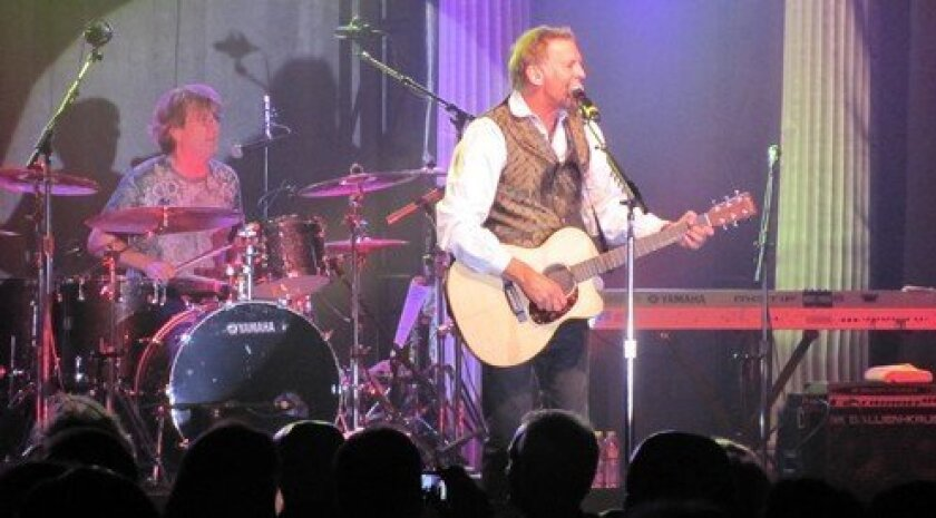 The Kenny Loggins Band heats up the night. (Photo: Susan DeMaggio)