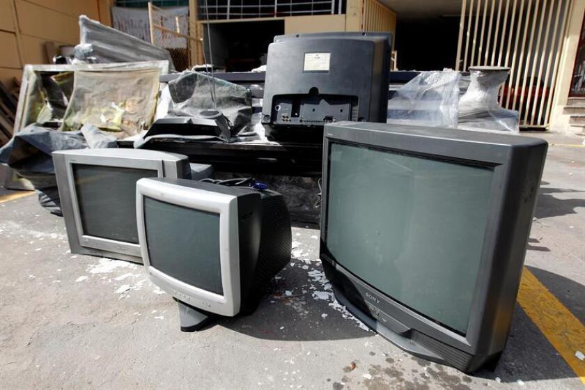 La Secretaría de Comunicaciones y Transportes (SCT) de México concluyó el mandato legal de entregar televisores digitales en las áreas de cobertura de las estaciones de baja potencia antes del 31 de diciembre, con lo que México finalizó su transición a la Televisión Digital Terrestre (TDT). EFE/ARCHIVO