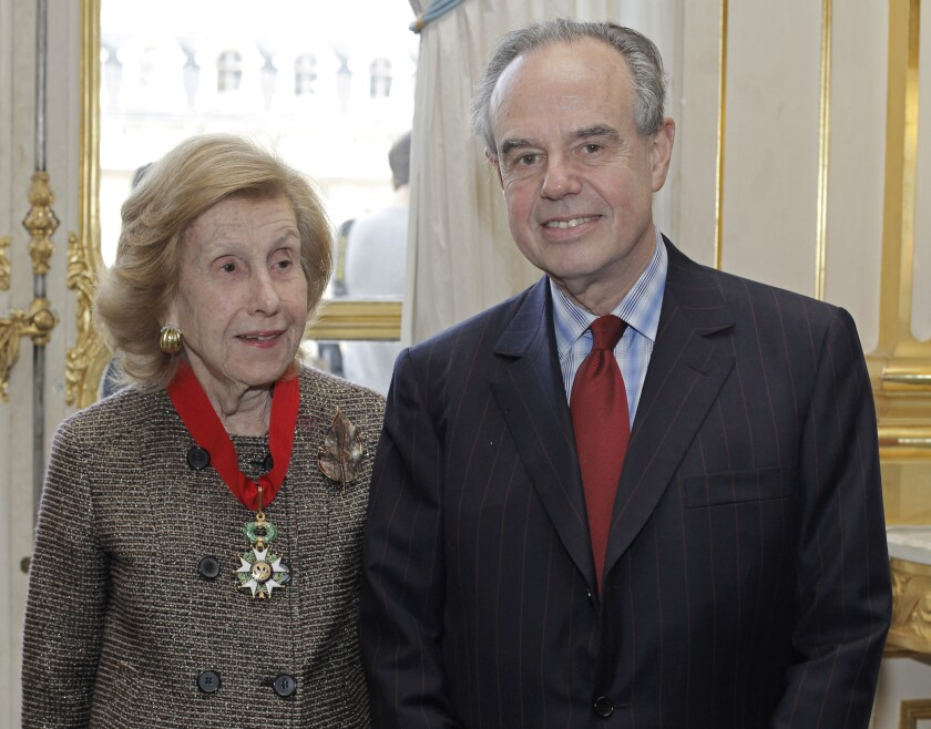 Anne Cox Chambers and French Culture Minister Frederic Mitterand in 2009.