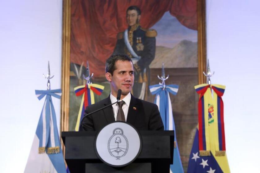 El jefe del Parlamento venezolano, Juan Guaidó, habla durante una rueda de prensa el viernes 01 de marzo de 2019 en Buenos Aires (Argentina). EFE/ Juan Ignacio Roncoroni/Archivo