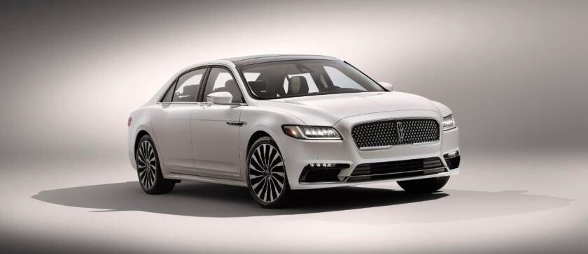 Lincoln Continental del 2017.