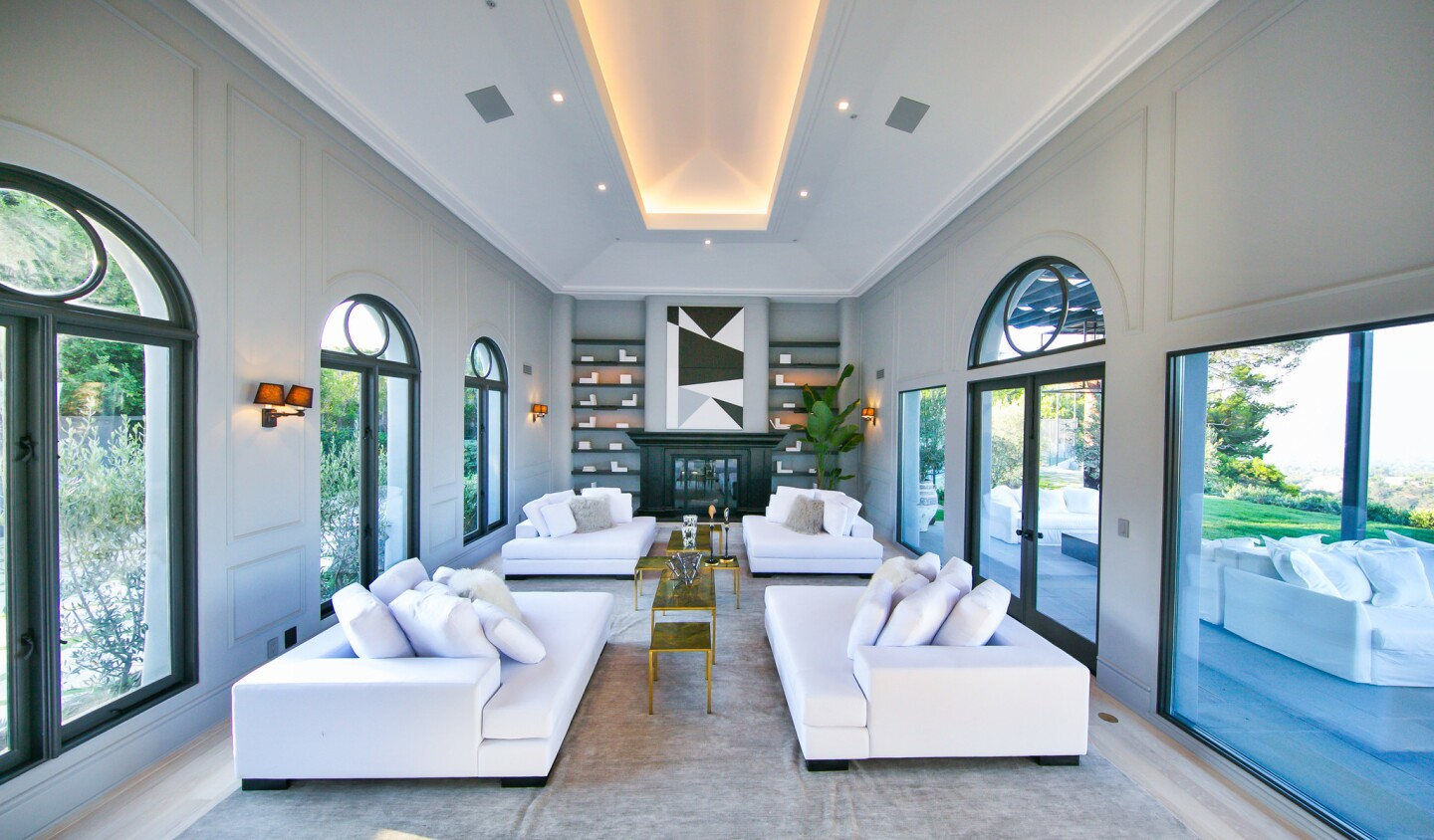 Home of the Day: Modern Renaissance in Beverly Hills Post Office