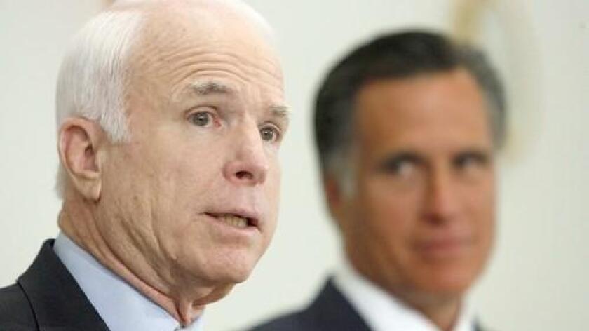 La petición está firmada, según informó hoy The Washington Post, por exfuncionarios de las administraciones de Ronald Reagan (1981-1989) y George W. Bush (2001-2009), así como exasesores de otros destacados dirigentes del Partido Republicano como los excandidatos presidenciales John McCain (2008) y Mitt Romney (2012).