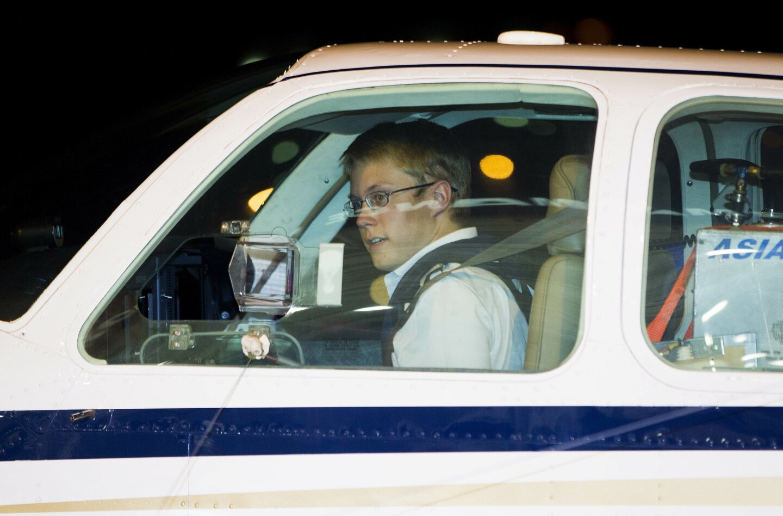 Teen pilot completes record flight.