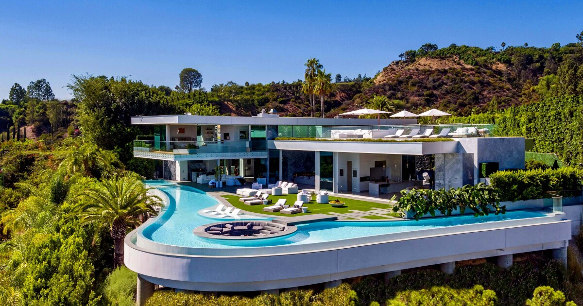 No, LeBron James didn't buy this $52-million mansion - Los Angeles Times