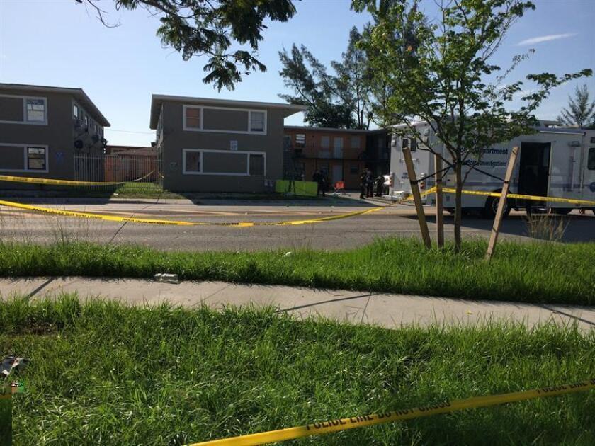 Un policía murió y otro resultó herido en un tiroteo ocurrido hoy en un apartamento cercano a un campus en Georgia, cuyo sospechoso sigue a la fuga. EFE/ARCHIVO