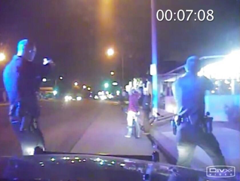 El video muestra el enfrentamiento fatal de la policía con Ricardo Díaz Zeferino fue difundido después que un abogado en representación de The Associated Press, Los Angeles Times y Bloomberg sostuvo que debía ser público debido a la gran repercusión pública de los tiroteos policiales en todo el país y el interés de la gente en saber qué ocurrió.