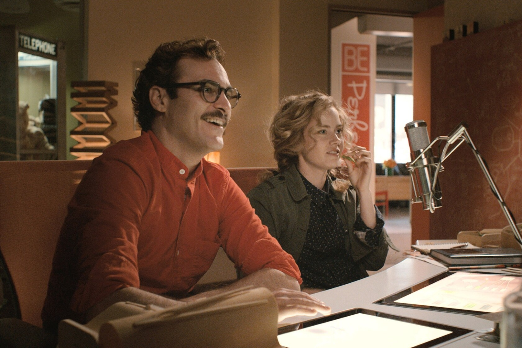 Joaquin Phoenix and Spike Jonze connect to 'Her' - Los