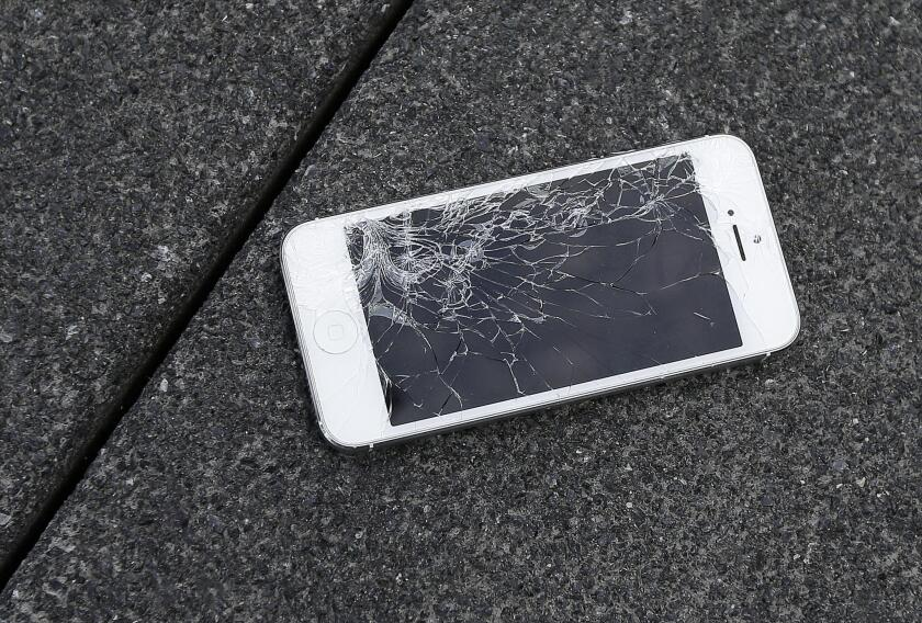 Apple has begun offering trade-in credit for damaged iPhones.