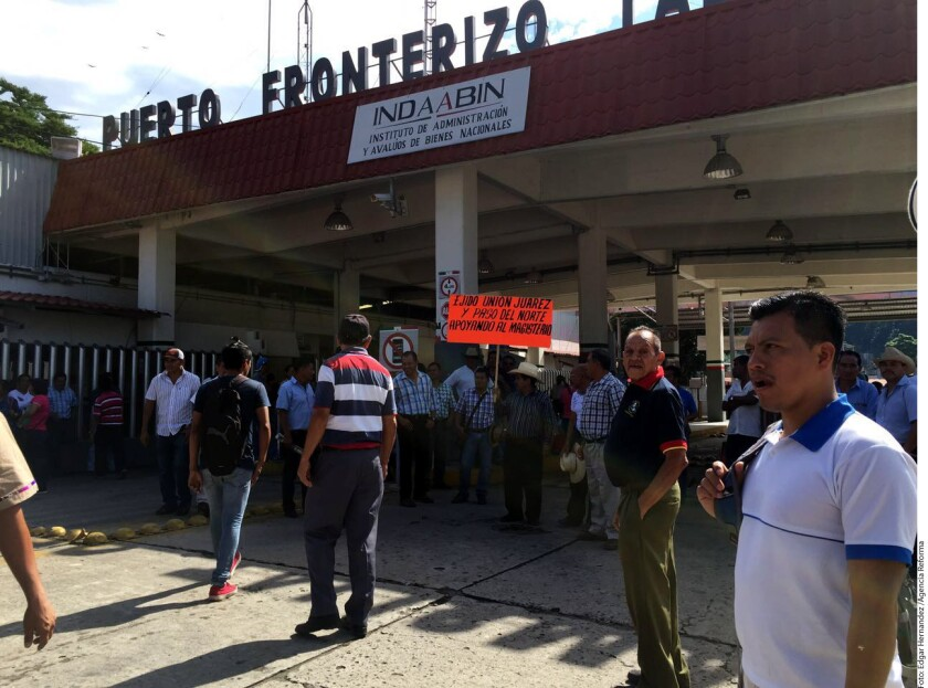 Hasta las 10:00 horas de este lunes fuentes del magisterio confirmaron el bloqueo del puente Talismán, en el Municipio de Tuxtla Chico.