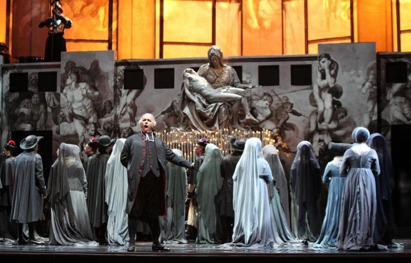 """La Ópera Metropolitana de Nueva York estrenará por fin de año la producción más majestuosa de su historia, """"Tosca"""", que contará con una opulenta puesta en escena y que consiguió superar varios percances durante su preparación. EFE/ARCHIVO"""