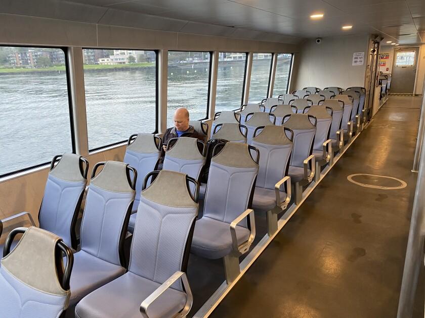 Lone Seattle commuter
