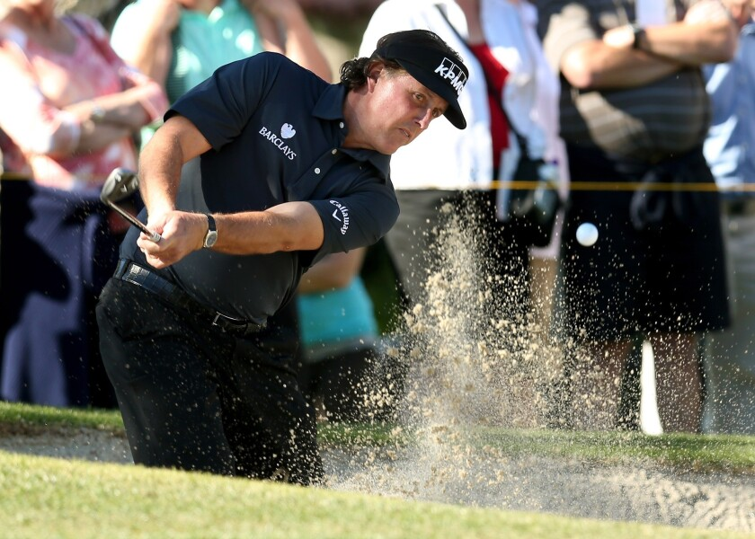 Phil Mickelson apologizes for tax comments