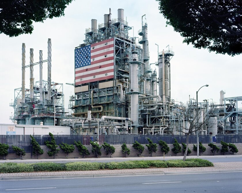 """""""BP Carson Refinery, California"""" (2007) © Mitch Epstein. Courtesy Mitch Epstein / Black River Productions, Ltd (Proportions adapted for website)"""