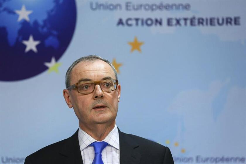 """El embajador de la Unión Europea (UE) en Washington, David O'Sullivan, considera que el """"momento álgido"""" de sus cuatro años en el cargo fue la reunión de 2018 entre el presidente Donald Trump y el de la Comisión Europea (CE), Jean-Claude Juncker, que logró """"diluir algo la tensión"""" bilateral. EFE/Archivo"""